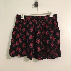 🌺 Floral skirt with pockets